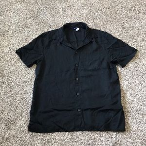 H&M Black short sleeves dress shirt 👔 L